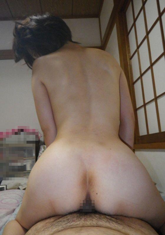 騎乗位 熟女 おばさん ハメ撮り エロ画像【16】