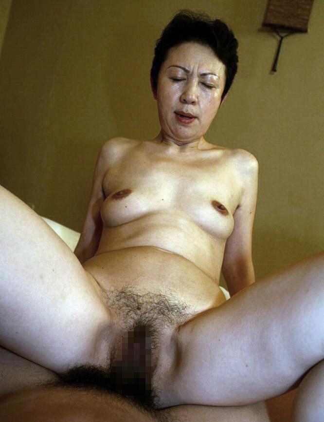 騎乗位 熟女 おばさん ハメ撮り エロ画像【40】