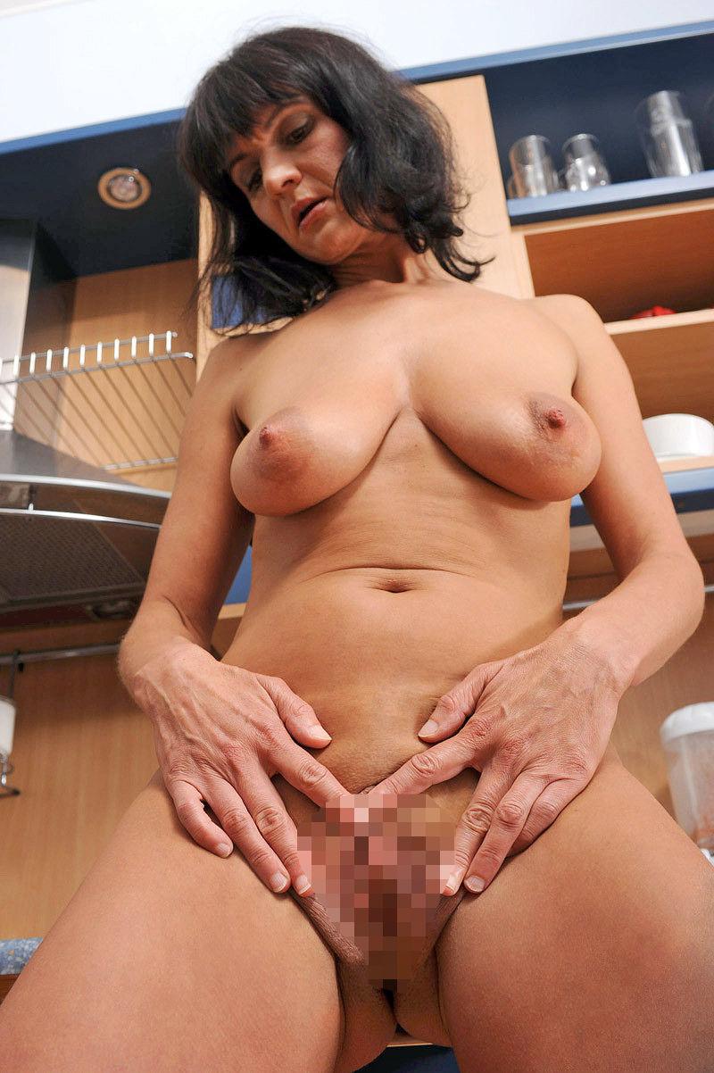 裸 おばさん おまんこ 外国人 熟女 ヌード エロ画像【25】