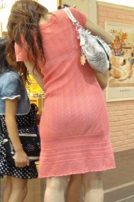 熟女 人妻 ママさん おばさん 透けブラ エロ画像【9】