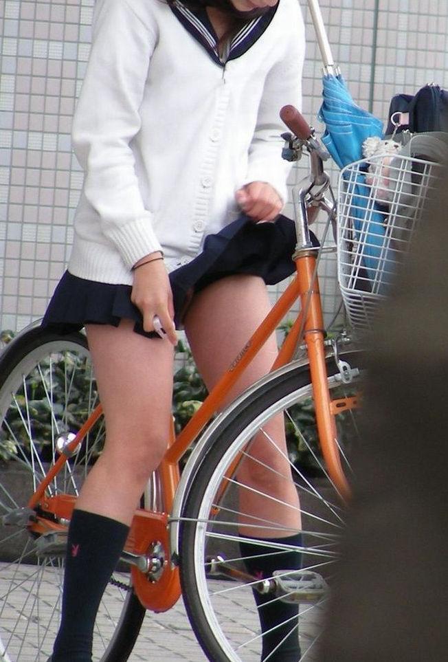 JK 風 パンチラ 登下校中 風チラ ハプニング エロ画像【30】
