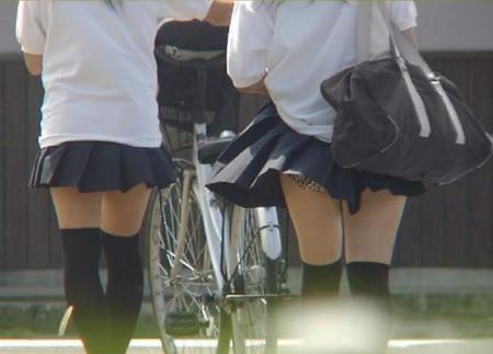 JK 風 パンチラ 登下校中 風チラ ハプニング エロ画像【34】
