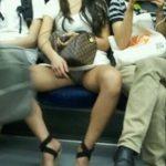 電車パンチラでパンツがモロ見えな画像限定まとめ