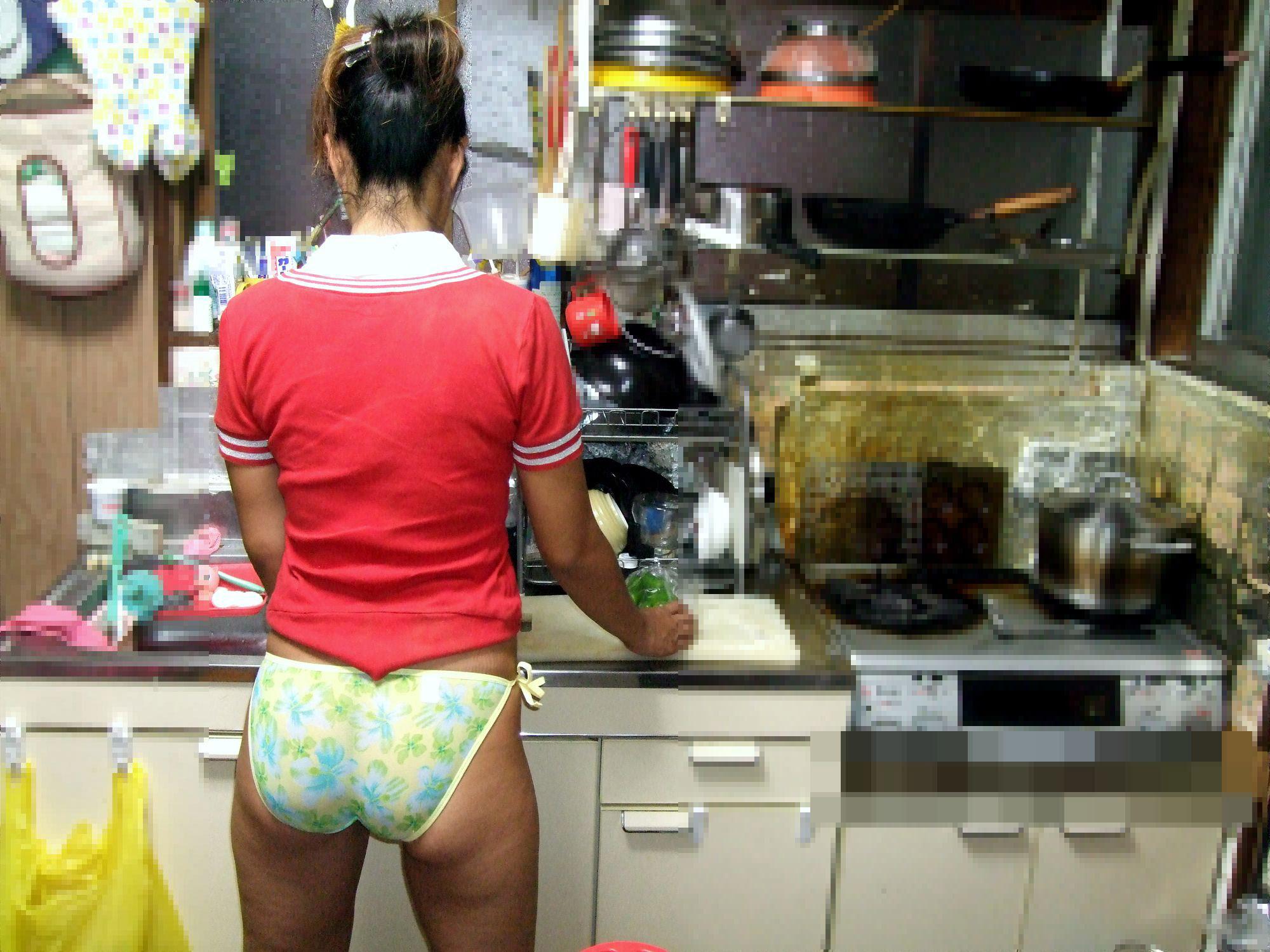 専業主婦 炊事 洗濯 掃除 家庭内 働く女性 エロ画像【2】