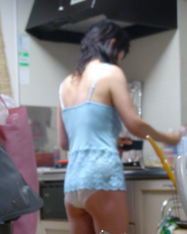 専業主婦 炊事 洗濯 掃除 家庭内 働く女性 エロ画像【12】