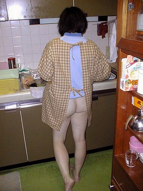 専業主婦 炊事 洗濯 掃除 家庭内 働く女性 エロ画像【32】