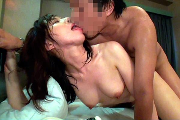 汗まみれ 汗だく ガチンコ セックス エロ画像【13】