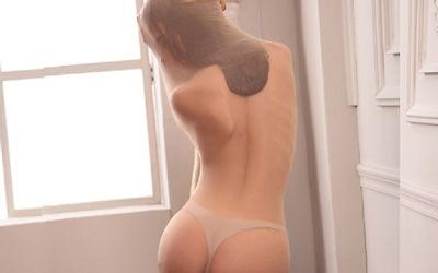 ナイロンを頭まで覆う完全全身タイツのエロ画像 ②