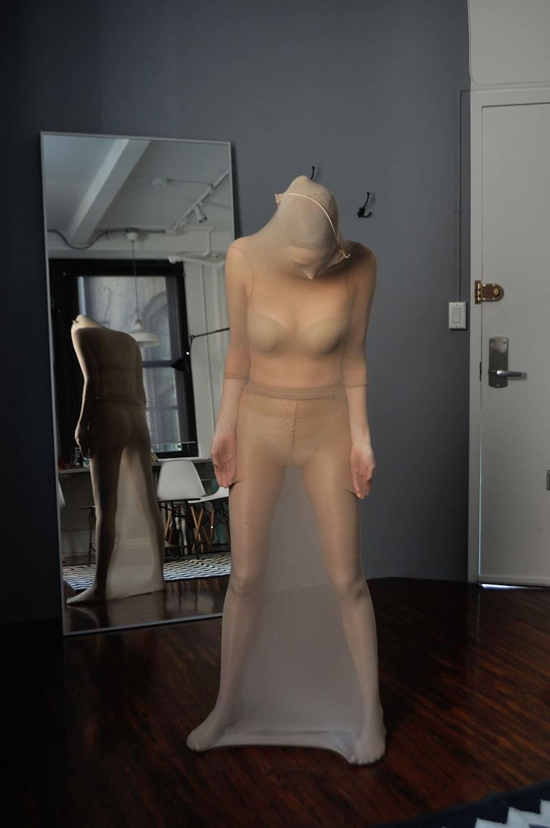 ナイロン 頭 覆う 全身 タイツ エロ画像【32】