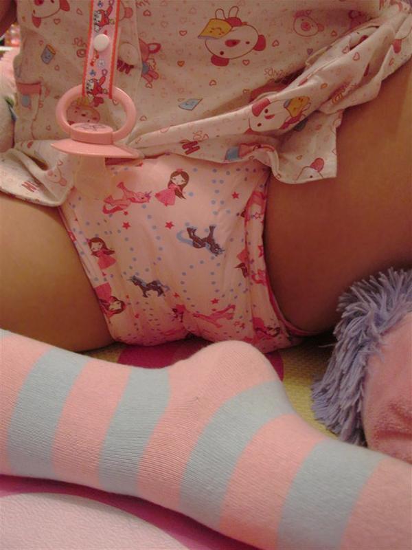 おむつ プレイ 成人女性 赤ちゃん返り エロ画像【4】