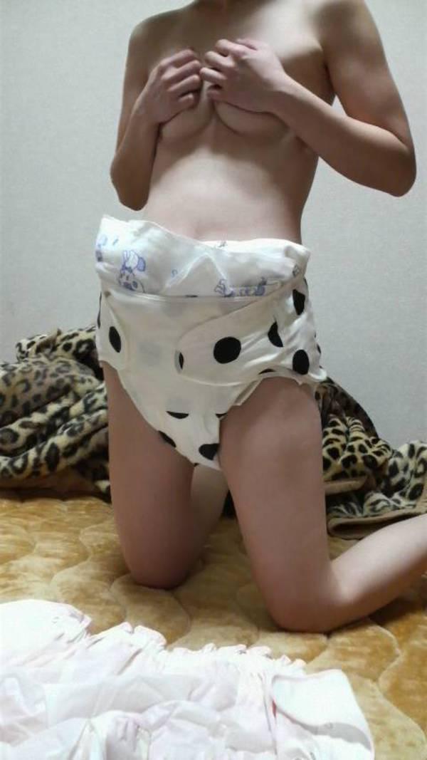 おむつ プレイ 成人女性 赤ちゃん返り エロ画像【14】