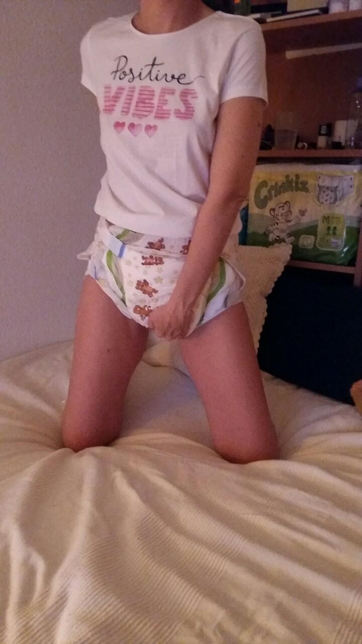 おむつ プレイ 成人女性 赤ちゃん返り エロ画像【30】