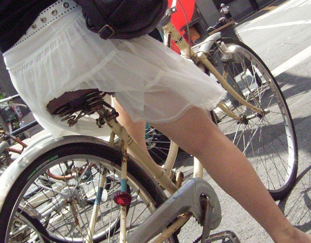 お尻 透けパン パン線 自転車 サドル エロ画像【7】
