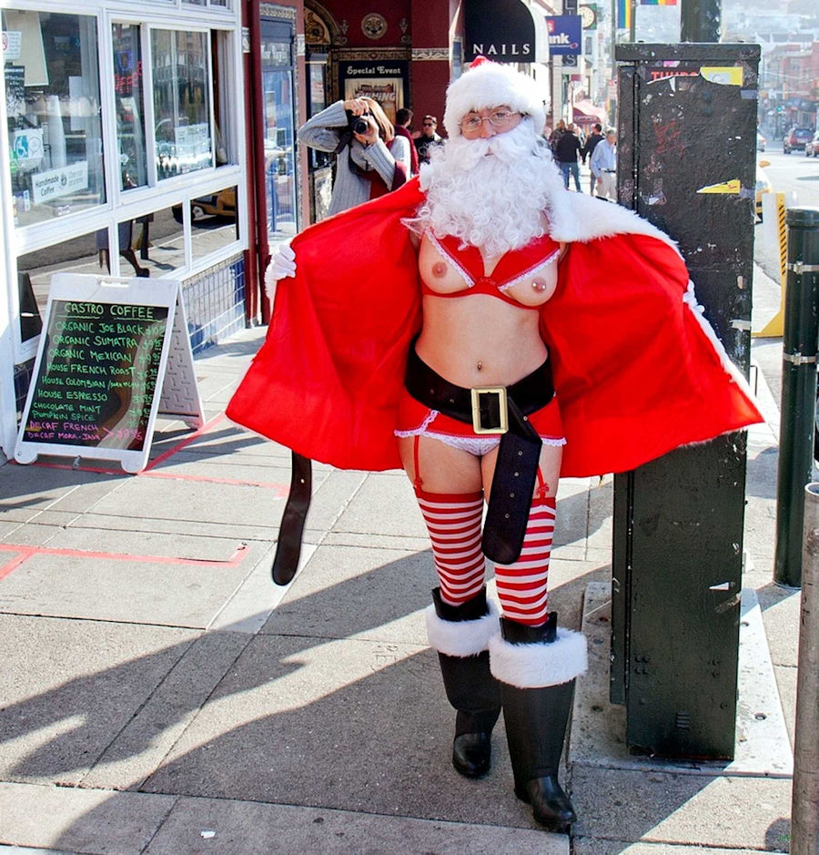 街 クリスマス 野外 露出 サンタ エロ画像【21】