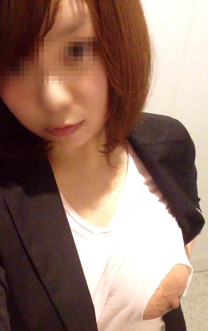 穴開き 乳首 着衣 くり抜き 切り抜き エロ画像【6】