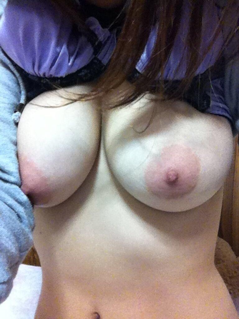 ピンク乳首 デカ乳輪 巨乳輪 エロ画像【23】