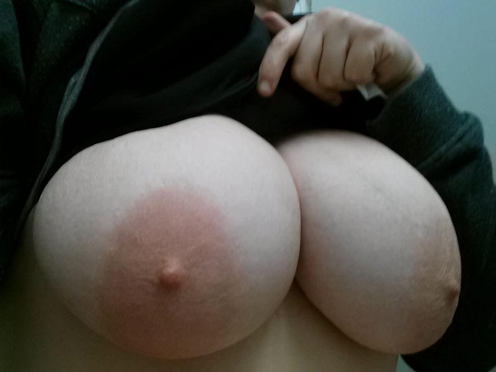 ピンク乳首 デカ乳輪 巨乳輪 エロ画像【45】