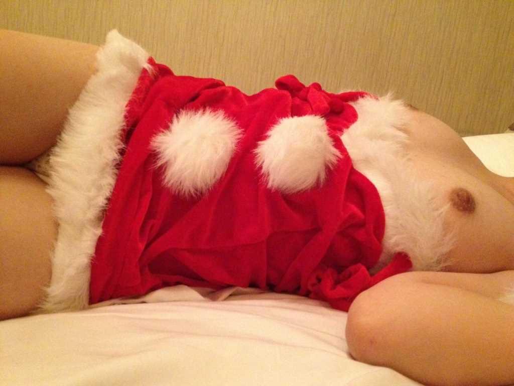 素人 クリスマス サンタ 彼女 熟女 エロ画像【19】