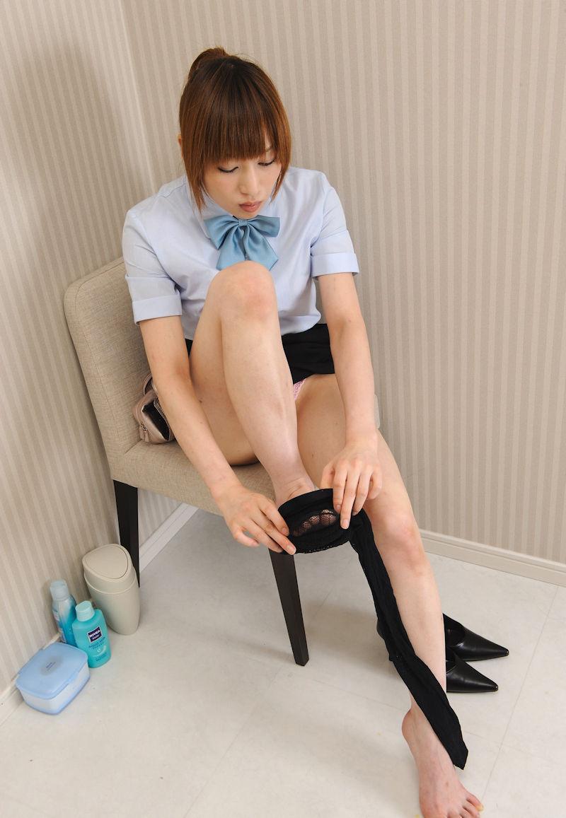 パンスト タイツ 履きかけ 着替え 途中 エロ画像【21】