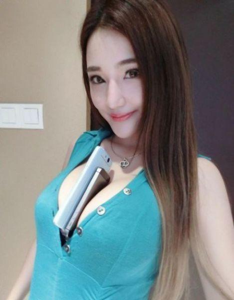 おっぱい 着衣 巨乳 中国人 エロ画像【41】