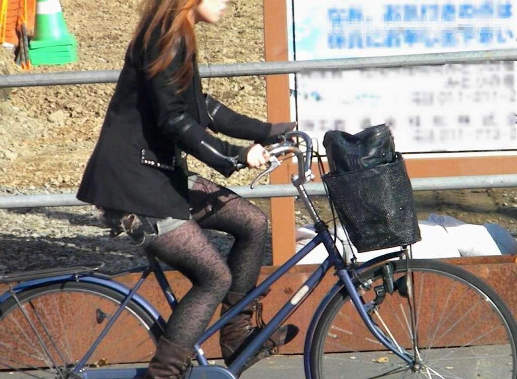 パンスト タイツ ショートパンツ 冬 太もも 街撮り エロ画像【2】