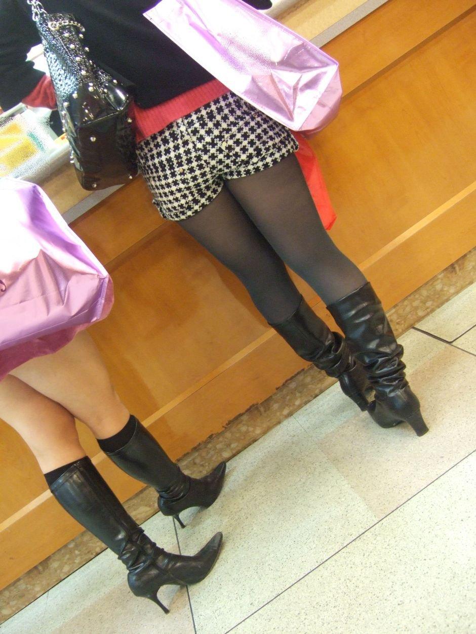 パンスト タイツ ショートパンツ 冬 太もも 街撮り エロ画像【4】