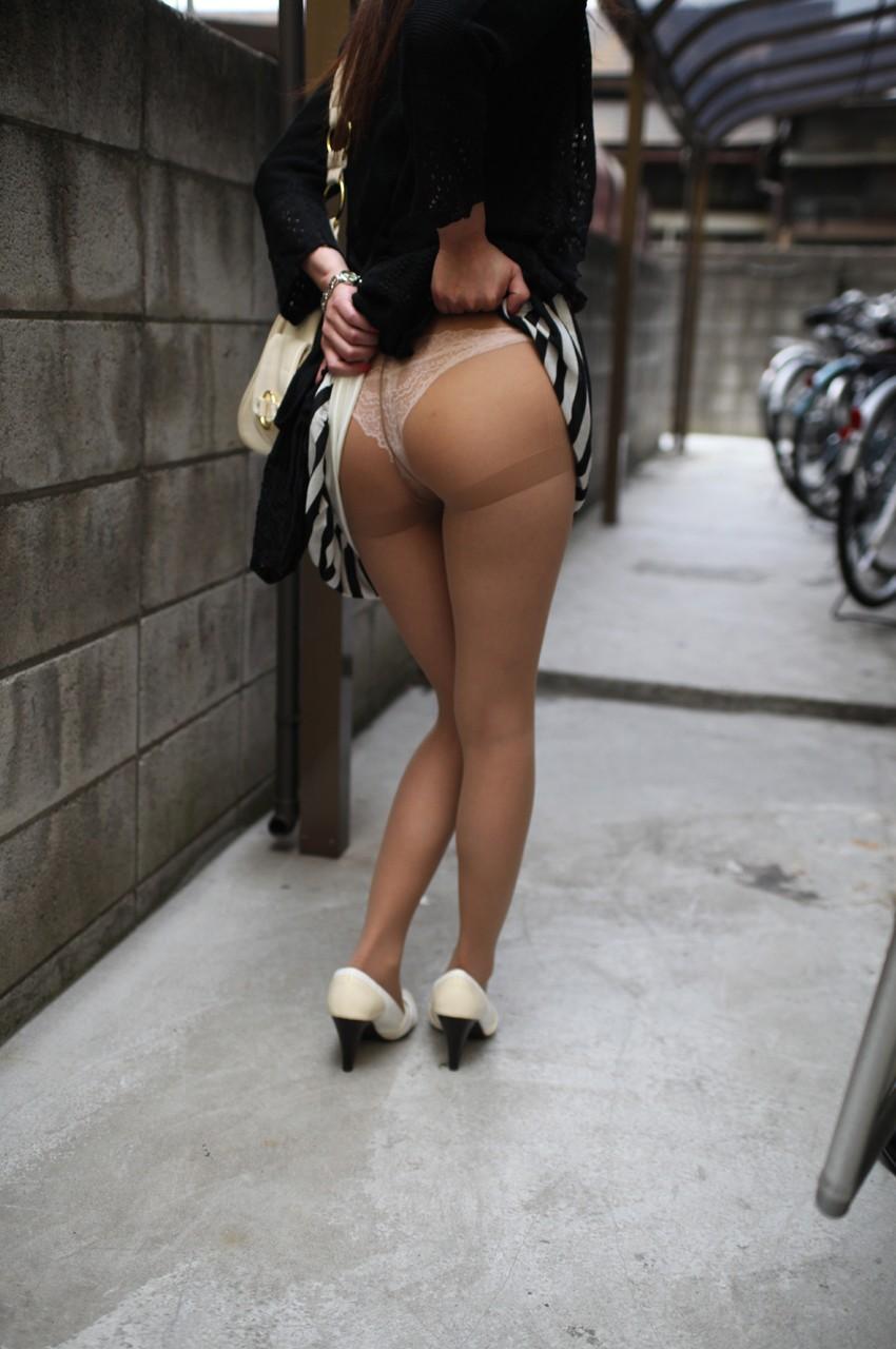 パンスト 穿く スカート たくし上げ エロ画像【26】