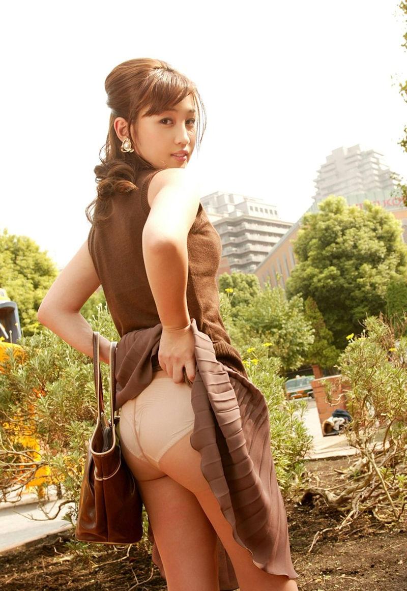 パンスト 穿く スカート たくし上げ エロ画像【32】