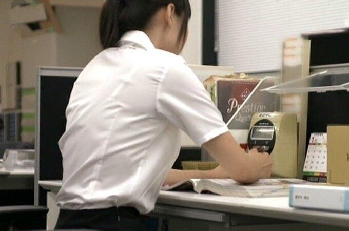 店員 ナース OL 働く女性 透けブラ エロ画像【15】