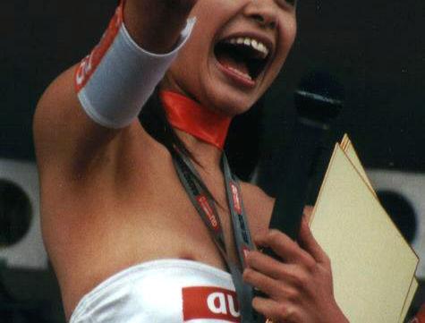 服 乳首 乳輪 はみ出る 着衣 チクポロ エロ画像【6】