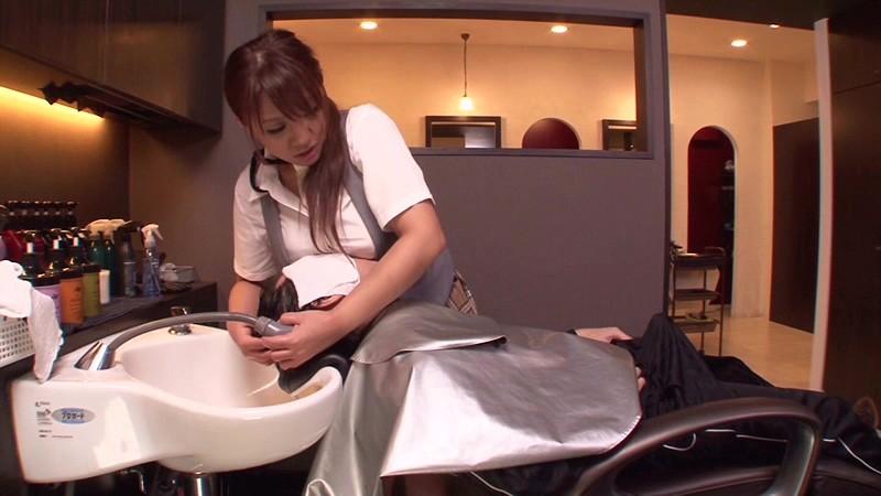 女性美容師 おっぱい顔当て 勃起 エロ画像【27】