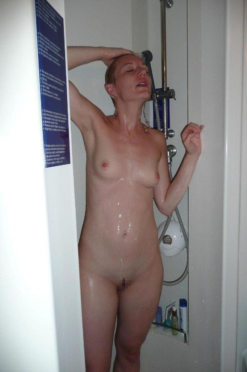 お風呂 頭 洗う 外国人 セクシー 洗髪 エロ画像【12】