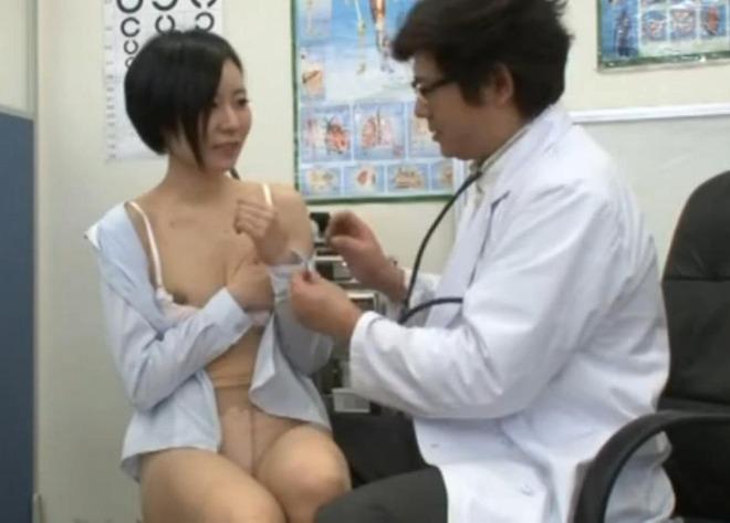 おっぱい 診察 内科 先生 エロ画像【36】