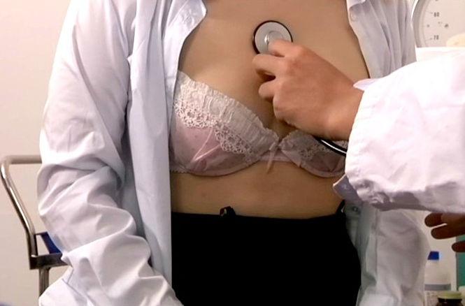 おっぱい 診察 内科 先生 エロ画像【45】