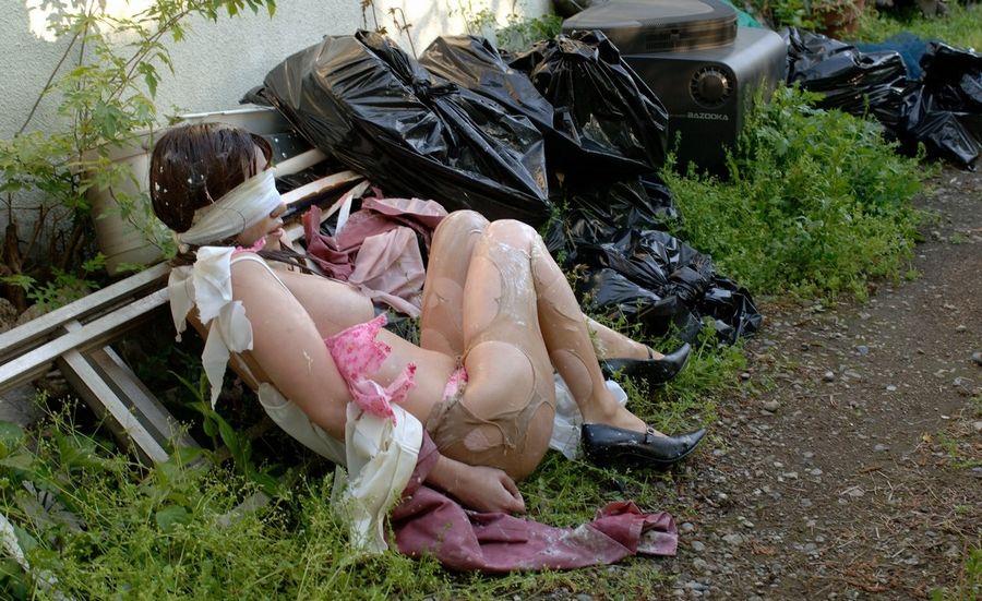 服 下着 破る 着衣 ビリビリ ボロボロ エロ画像【37】