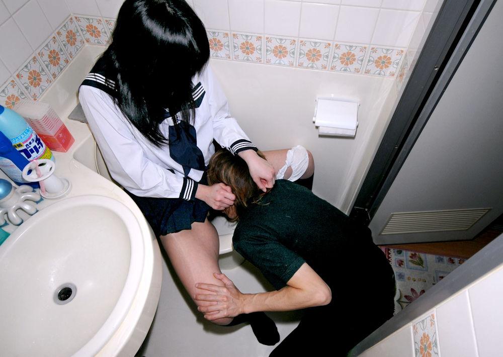JK まんこ 舐める クンニ エロ画像