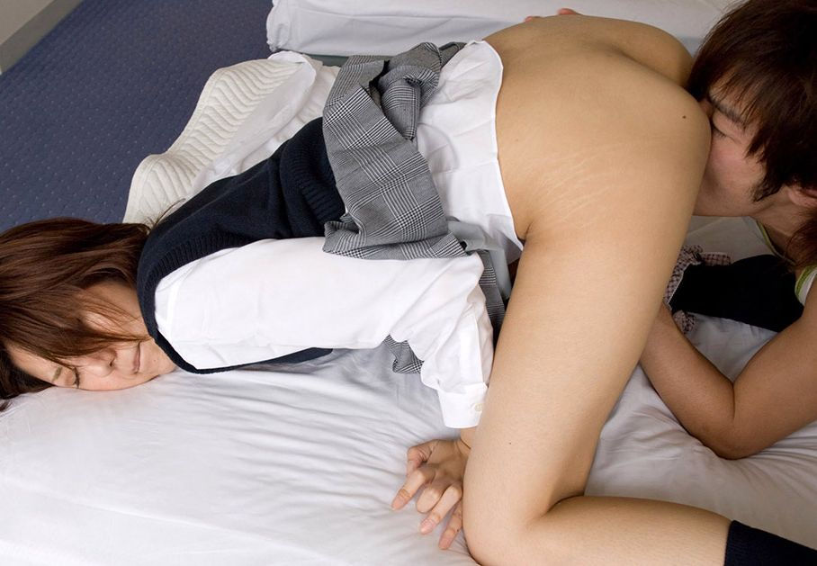 JK まんこ 舐める クンニ エロ画像【24】