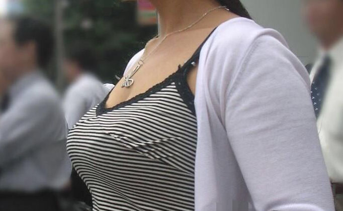 キャミ ボイン 巨乳 キャミソール エロ画像【47】
