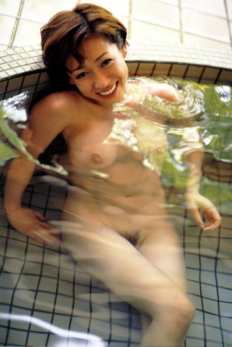 細川ふみえ 全裸 熟女 芸能人 おばさん ヌード エロ画像【8】