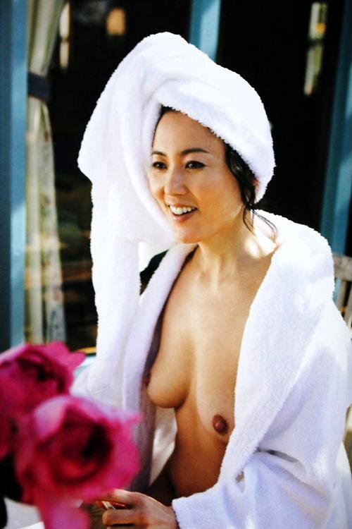 杉田かおる 全裸 熟女 芸能人 おばさん ヌード エロ画像【28】