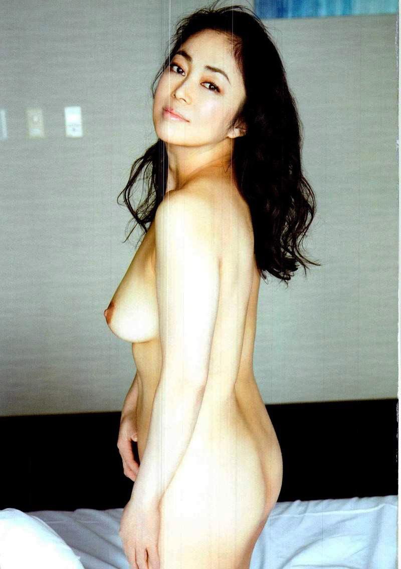 中島知子 全裸 熟女 芸能人 おばさん ヌード エロ画像【33】