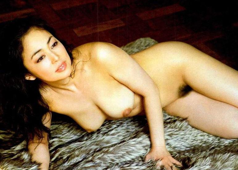 中島知子 全裸 熟女 芸能人 おばさん ヌード エロ画像【35】