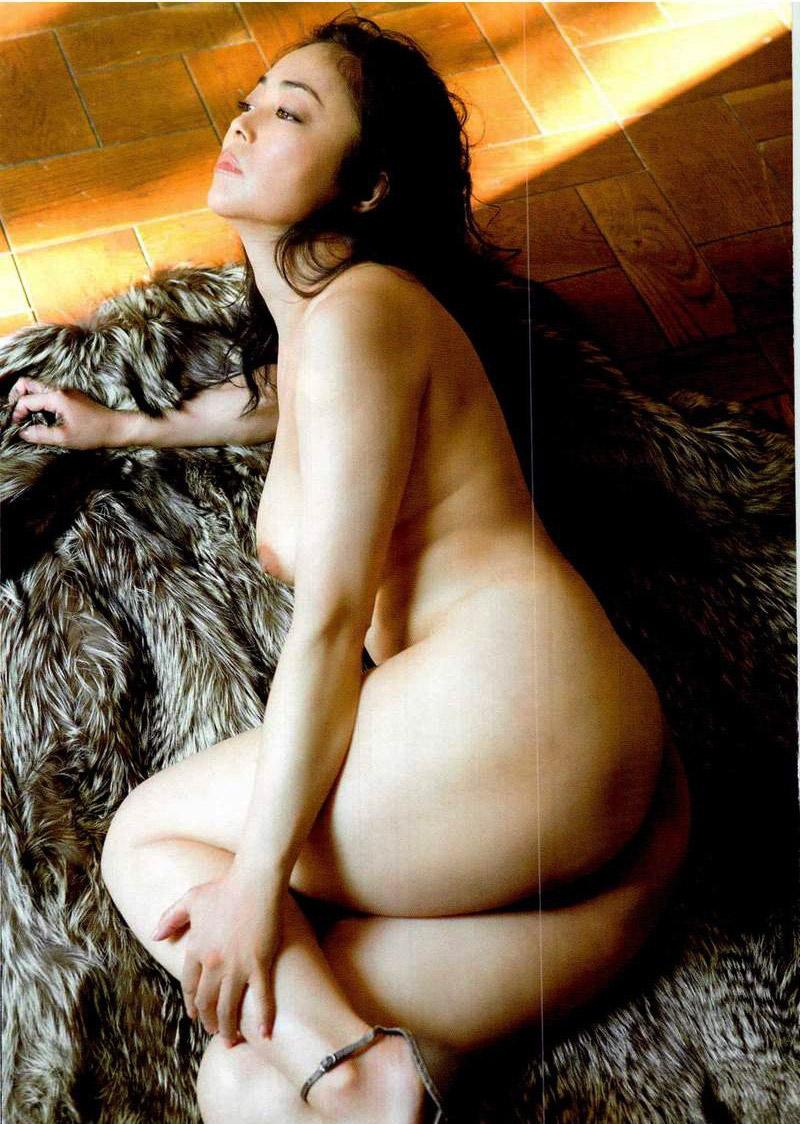 中島知子 全裸 熟女 芸能人 おばさん ヌード エロ画像【37】