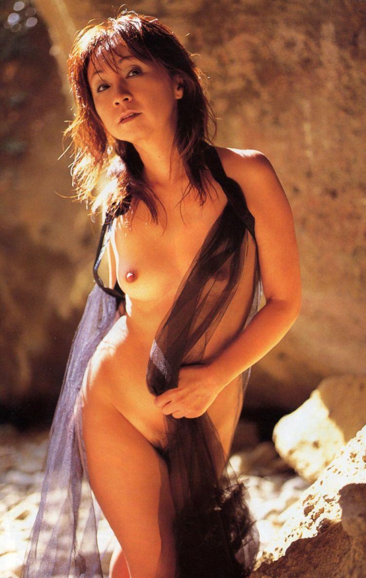 安達有里 全裸 熟女 芸能人 おばさん ヌード エロ画像【43】