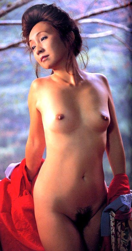 安達有里 全裸 熟女 芸能人 おばさん ヌード エロ画像【45】