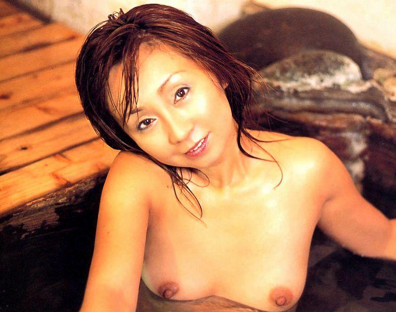 安達有里 全裸 熟女 芸能人 おばさん ヌード エロ画像【49】