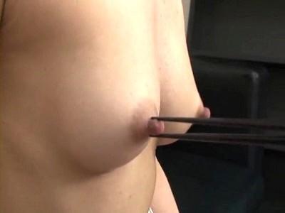 箸 まんこ 乳首 挟む つまむ エロ画像【11】