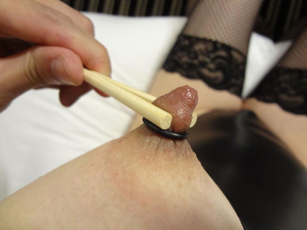 箸 まんこ 乳首 挟む つまむ エロ画像【14】