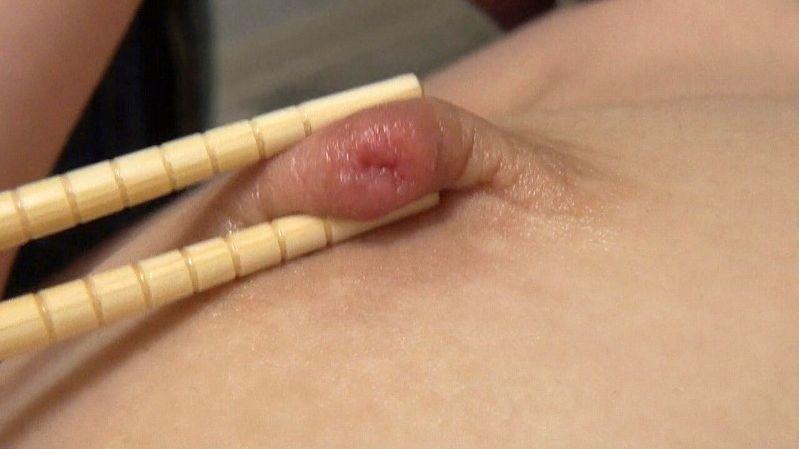 箸 まんこ 乳首 挟む つまむ エロ画像【32】