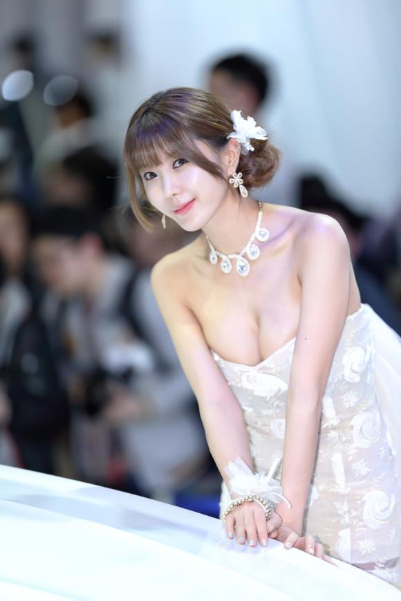 巨乳 美人 コンパニオン キャンギャル エロ画像【16】
